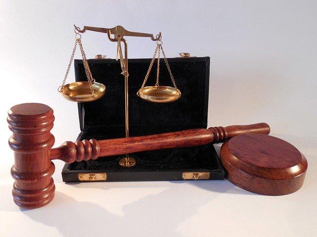 W czym potrafi nam pomóc radca prawny? W których kwestiach i w jakich płaszczyznach prawa wesprze nam radca prawny?