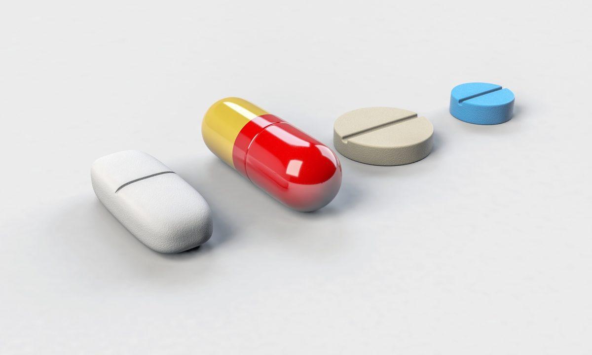 Gdy jesteśmy w podeszłym wieku najpewniej musimy codziennie przyjmować leki.